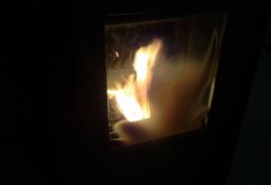 Il vetro della stufa post combustione dell'Original White